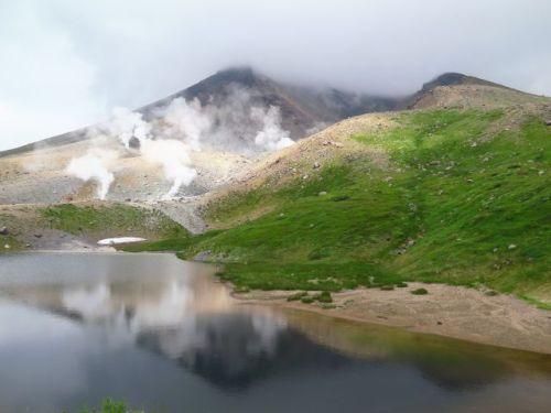活火山・旭岳の夏景色